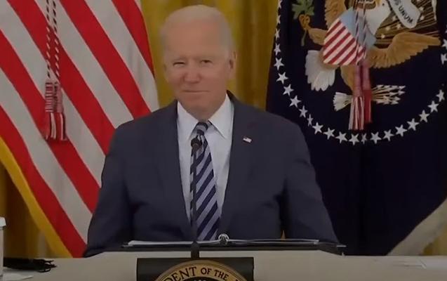 Bayden danışarkən mikrofonu söndürüldü