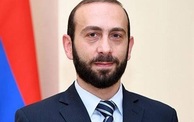 Ermənistanın yeni XİN rəhbəri Moskvaya getdi