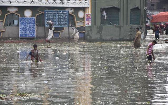 Pakistanda sel nəticəsində ölənlərin sayı artır