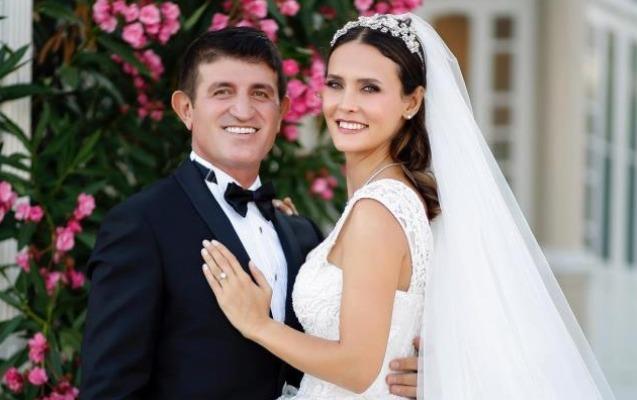 Üç il əvvəl evlənmişdilər, ötən ay toyları oldu