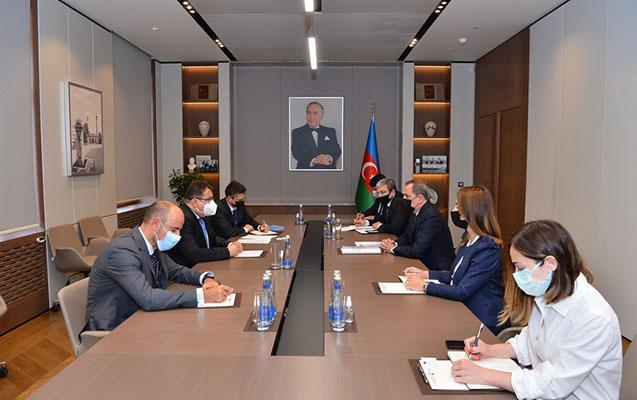Ceyhun Bayramov Petr Mixalkonla görüşdü