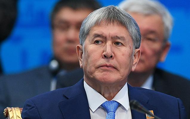Atambayev hakimiyyəti zor gücü ilə ələ keçirməkdə ittiham olunur