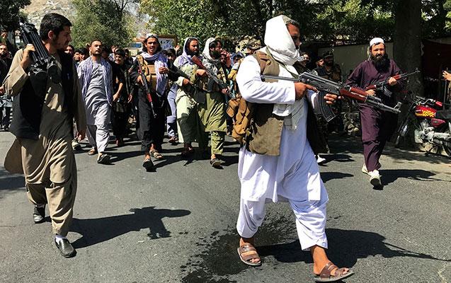 """""""Taliban"""" əfv vəd etdiyi zabiti öldürdü"""