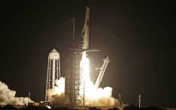 Kosmosa tarixi uçuş başladı