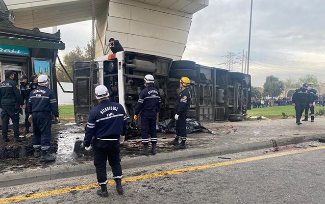Bakıda yük maşını sərnişin avtobusu ilə toqquşdu - 5 ölü, 20 yaralı