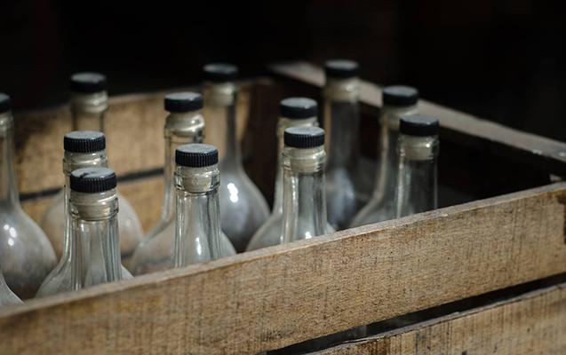 Rusiyada saxta spirtli içkidən ölənlərin sayı artdı