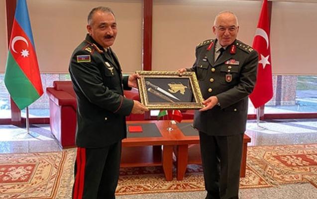 Azərbaycan və Türkiyə Quru Qoşunları komandanları görüşdü