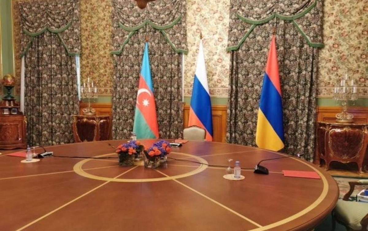 Ceyhun Bayramov Ararat Mirzoyanla görüşdü
