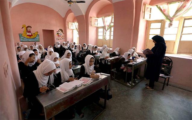 """""""Taliban""""dan məktəbli qızlarla bağlı vəd"""