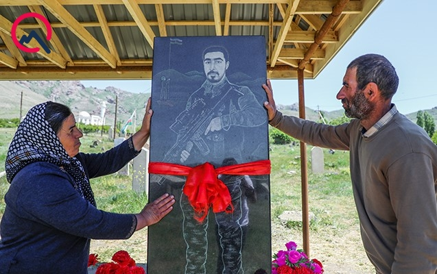 """Qapını hər açanda oğlumuzun məzarını görürük"""