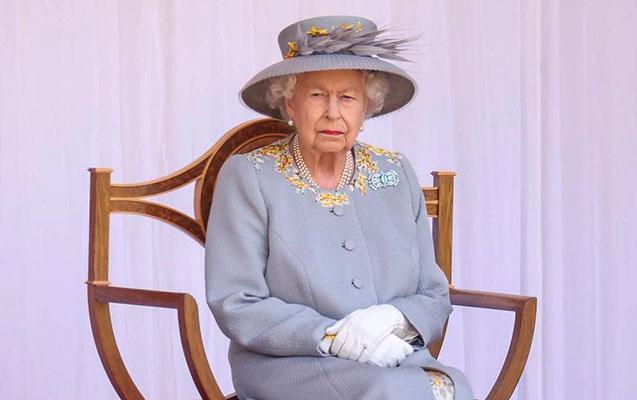 """Kraliça """"İlin yaşlı qadını"""" mükafatını istəmədi"""