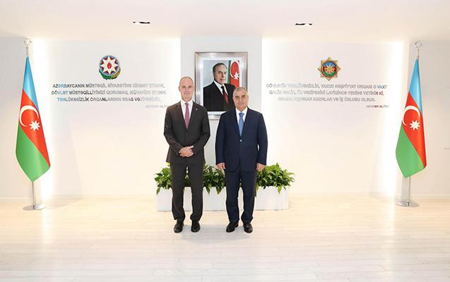 Əli Nağıyev BQXK-nin vitse-prezidenti ilə görüşdü