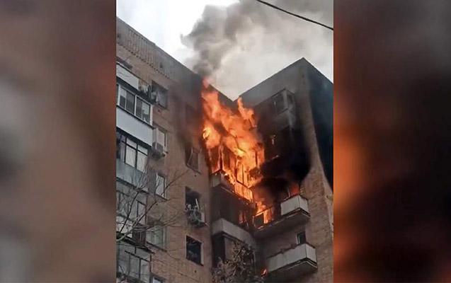 Rusiyada yaşayış binası yanır