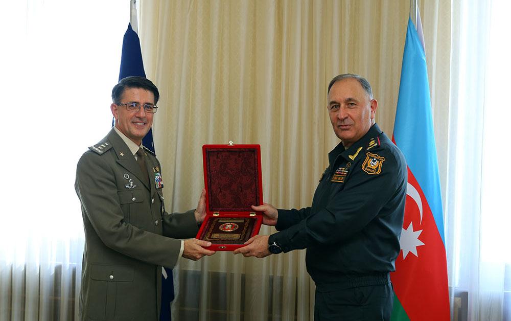 Kərim Vəliyev NATO-nun idarə rəisi ilə görüşdü