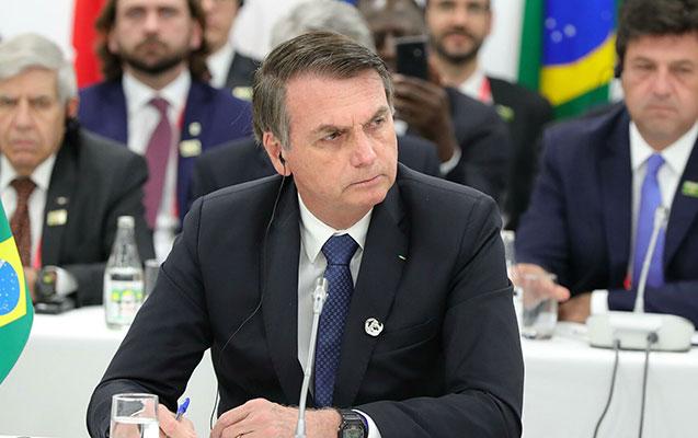 Feysbuk Braziliya Prezidentinin vaksinlə bağlı dediklərini sildi