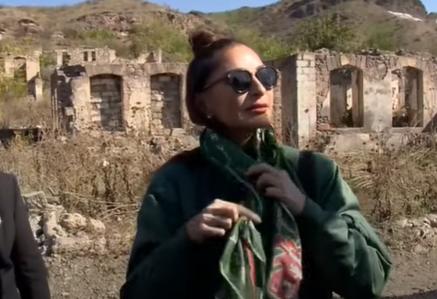 Qubadlı sakini Mehriban Əliyevaya kəlağayı bağışladı