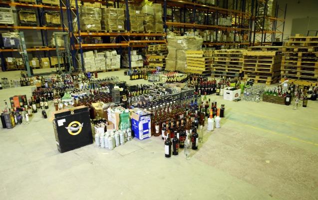 Aksiz markası olmayan külli miqdarda spirtli içki aşkarlandı