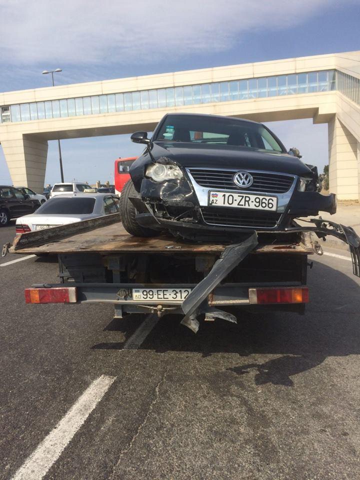 Aeroporta gedən yolda zəncirvari qəza - Fotolar
