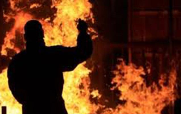 Altı otaqlı ev yandı