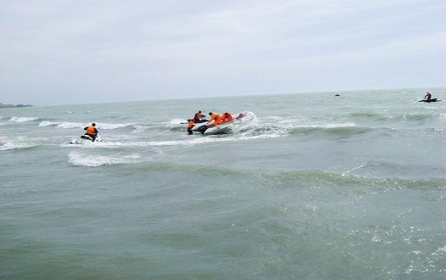 2 nəfər dənizdə batmaqdan xilas edildi