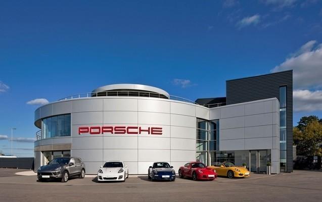 """Porsche"" 22 min avtomobili geri çağıracaq"