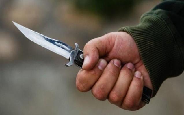 Bakıda  anasına mesaj yazan oğlanı bıçaqladı