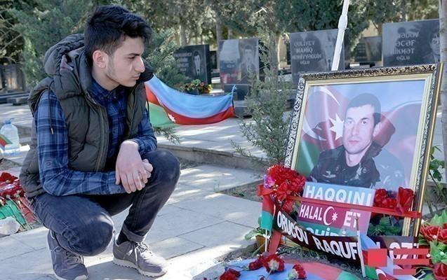 Şəhid polkovnikin oğlu da imtahan verdi