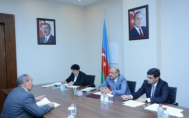 Qarayev vətəndaşları qəbul etdi
